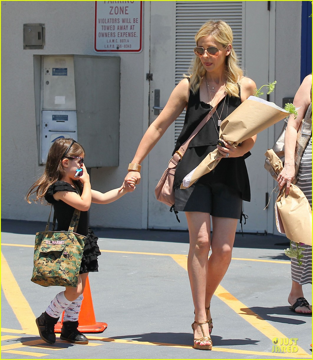 sarah michelle gellar flying with two kids alone is my latest milestone 182909031