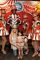 sarah michelle gellar neil patrick harris circus with the kids 01