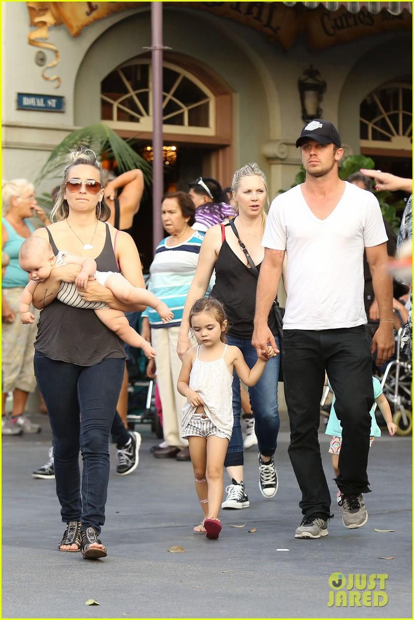 cam gigandet debuts baby rekker on family disney trip 072902536