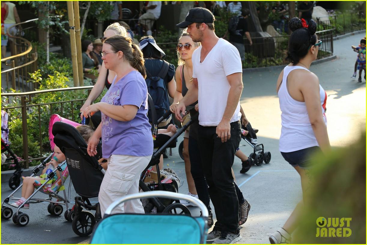 cam gigandet debuts baby rekker on family disney trip 322902561