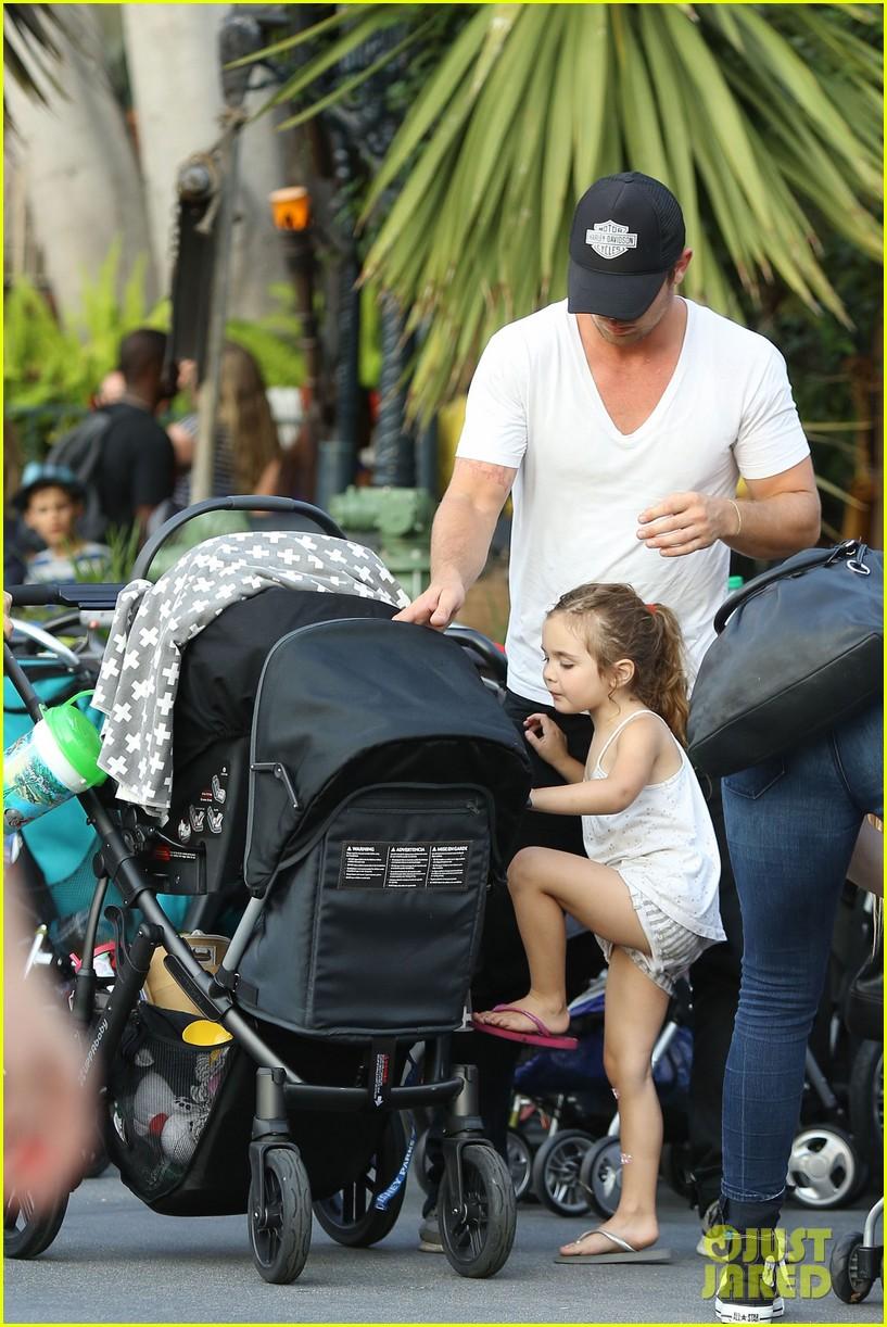 cam gigandet debuts baby rekker on family disney trip 432902572