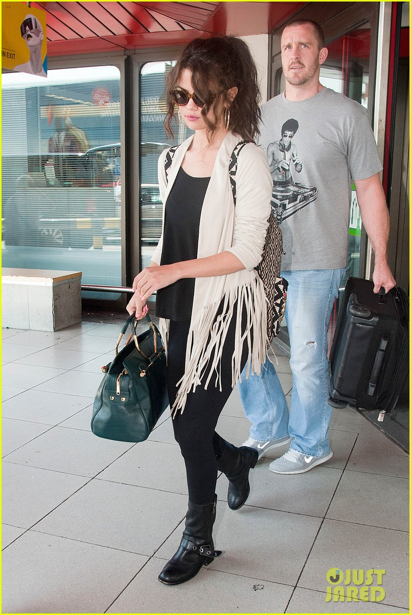 selena gomez catches flight to attend adidas neo launch 012906079