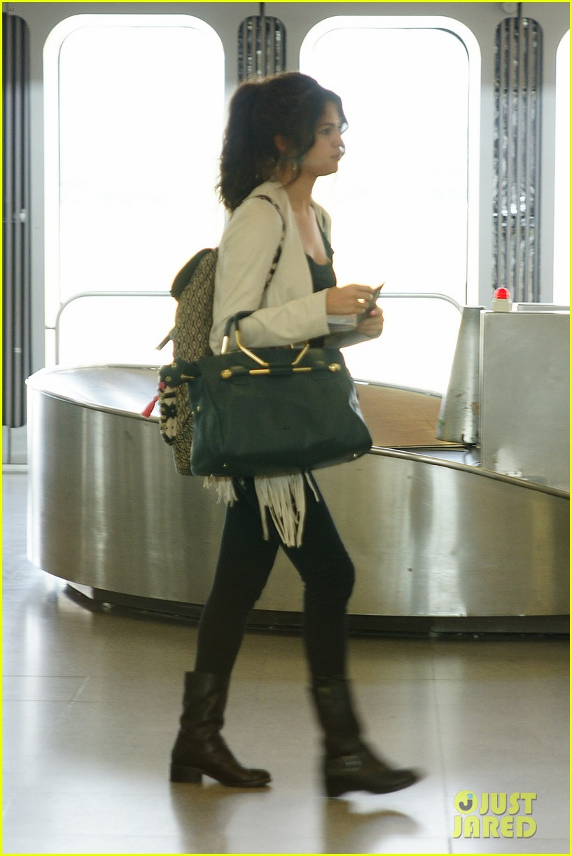 selena gomez catches flight to attend adidas neo launch 052906083