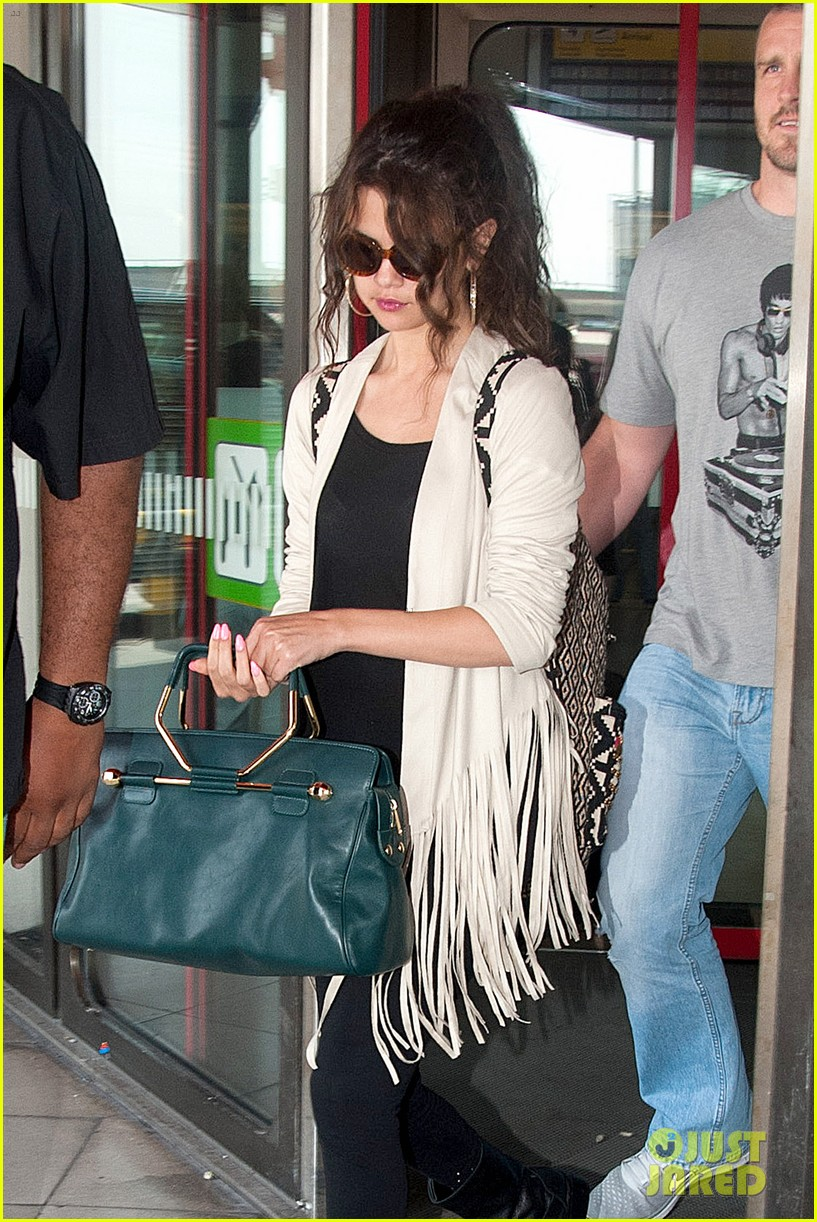 selena gomez catches flight to attend adidas neo launch 062906084