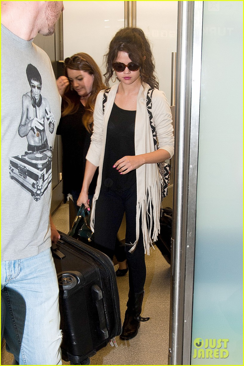 selena gomez catches flight to attend adidas neo launch 07