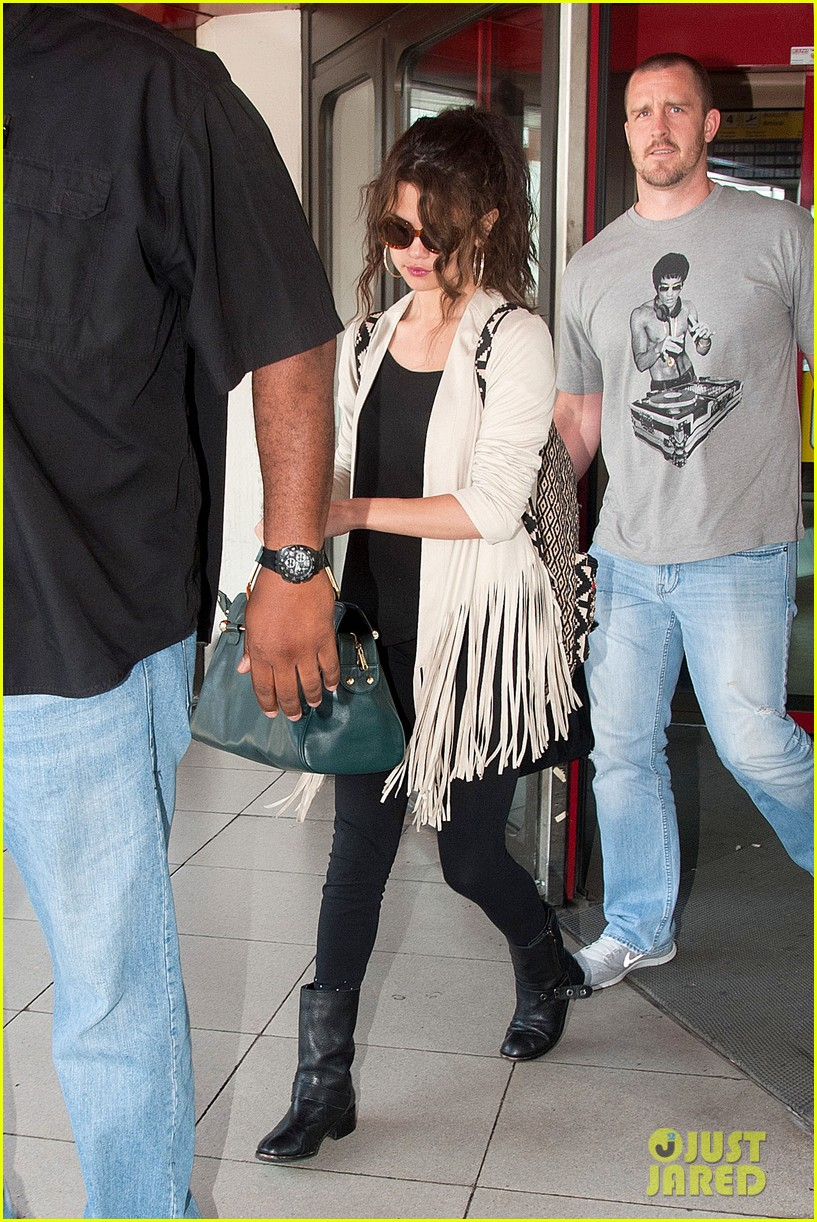 selena gomez catches flight to attend adidas neo launch 122906090