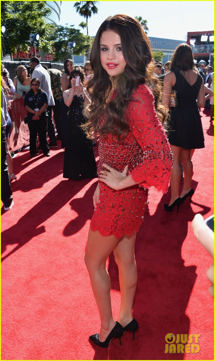 selena gomez espys 2013 red carpet 032911120