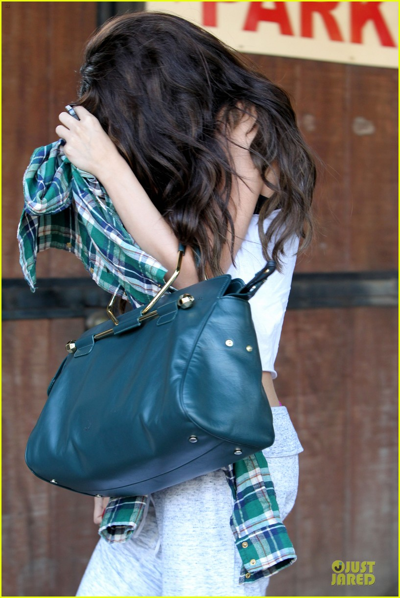 selena gomez i was way stressed about justin bieber breakup 112912759