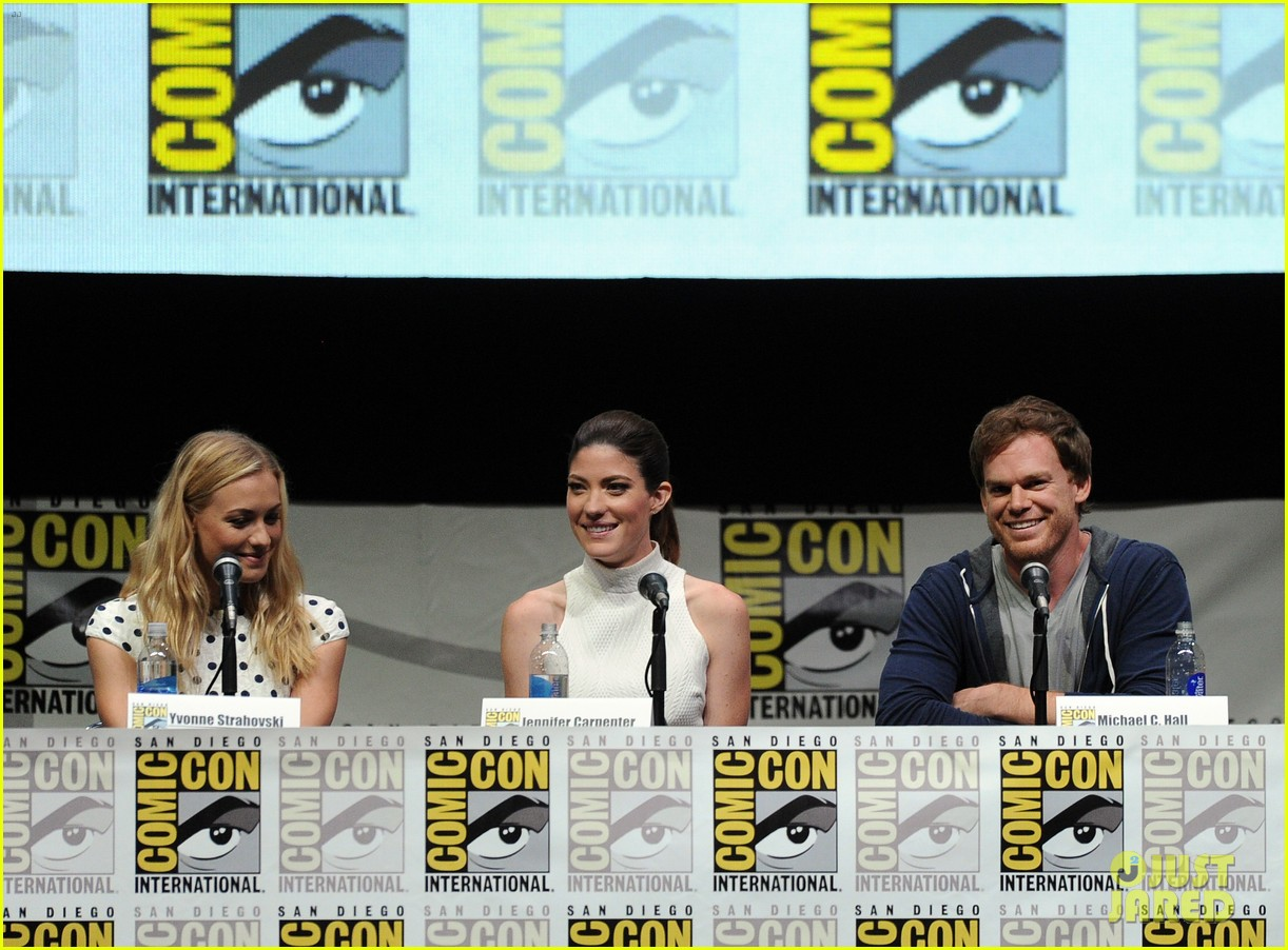 michael c hall jennifer carpenter dexter comic con panel 202912370