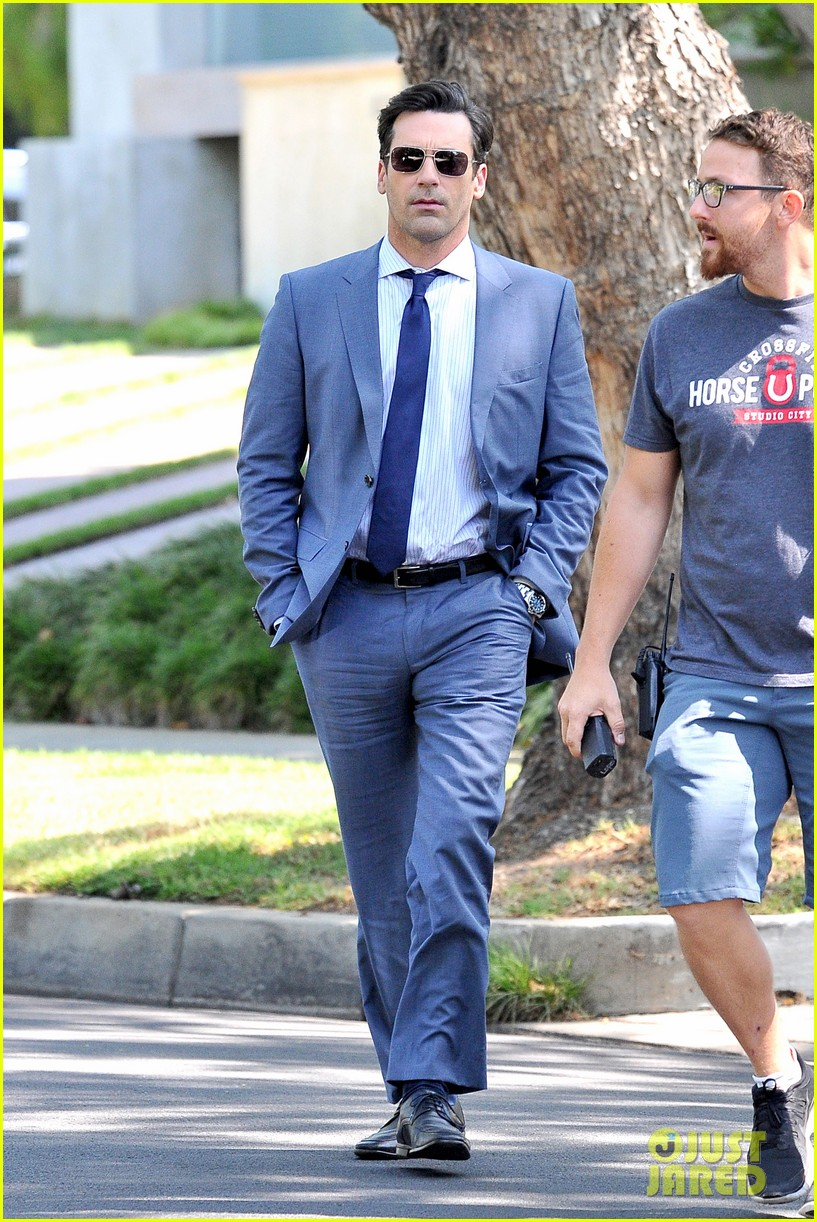 jon hamm sports million dollar look for million dollar arm 032918949
