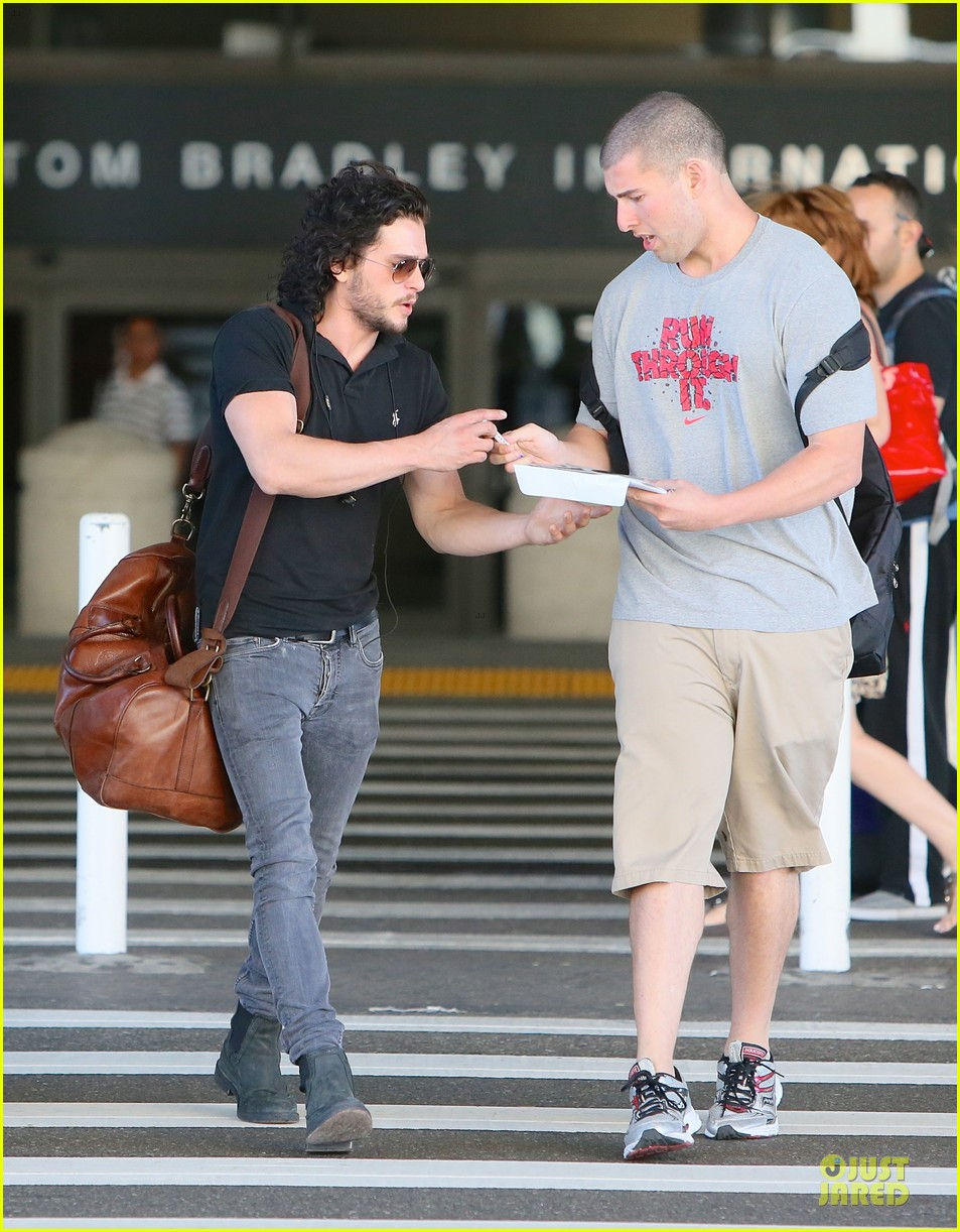 kit harington game of thrones season 4 is my favorite so far 032920592