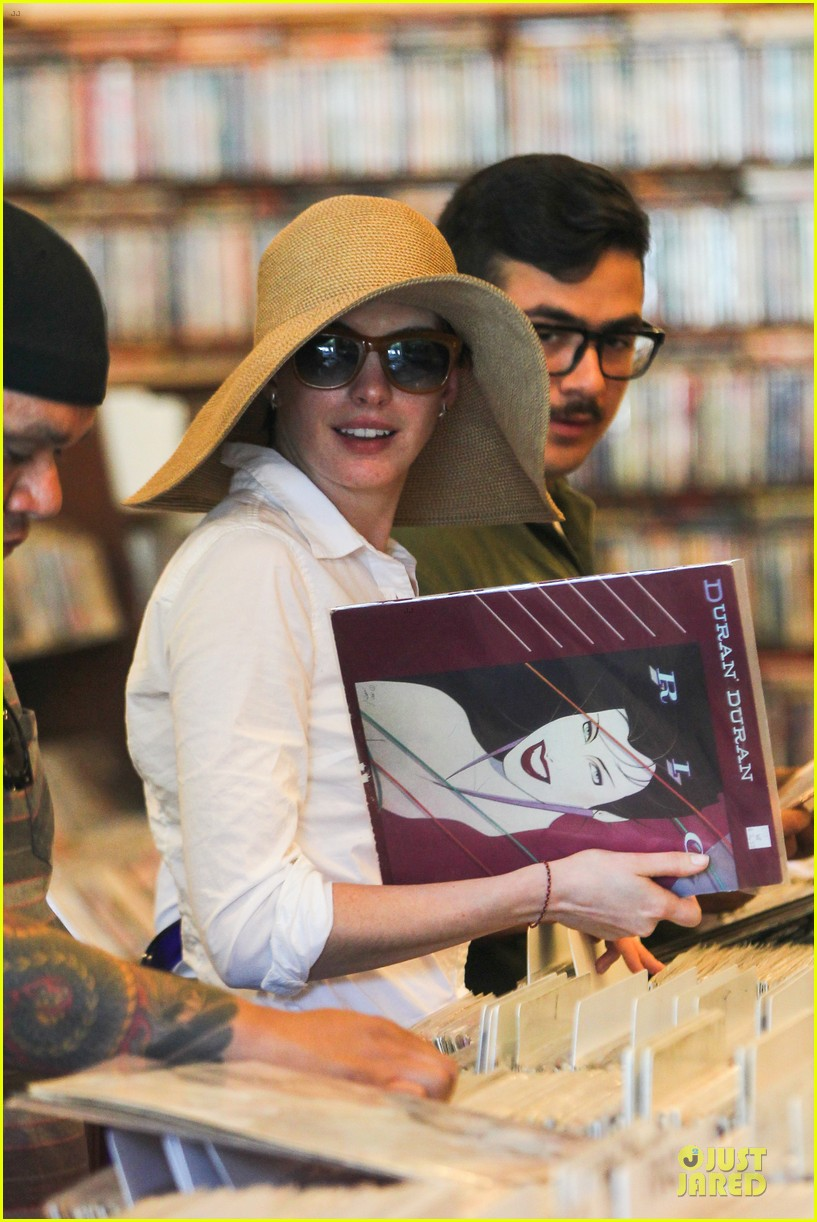 anne hathaway adam shulman search for vintage vinyl records 17