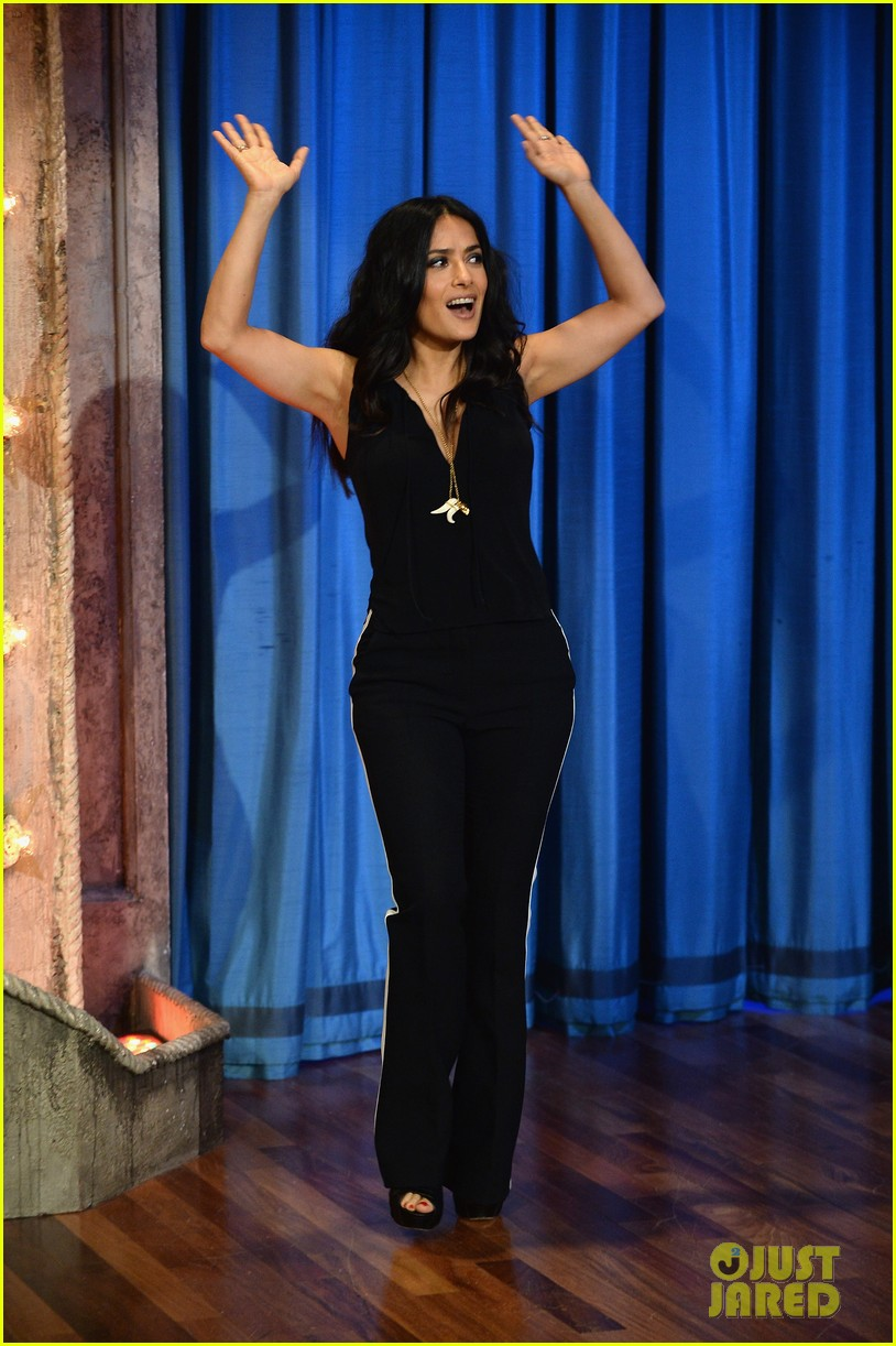salma hayek plays beer pong on late night with jimmy fallon 022908215
