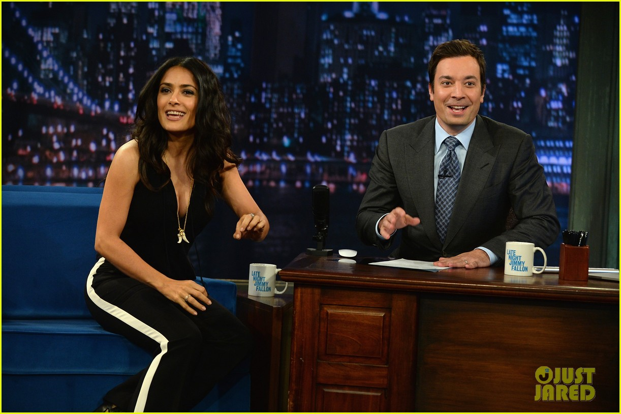 salma hayek plays beer pong on late night with jimmy fallon 052908218