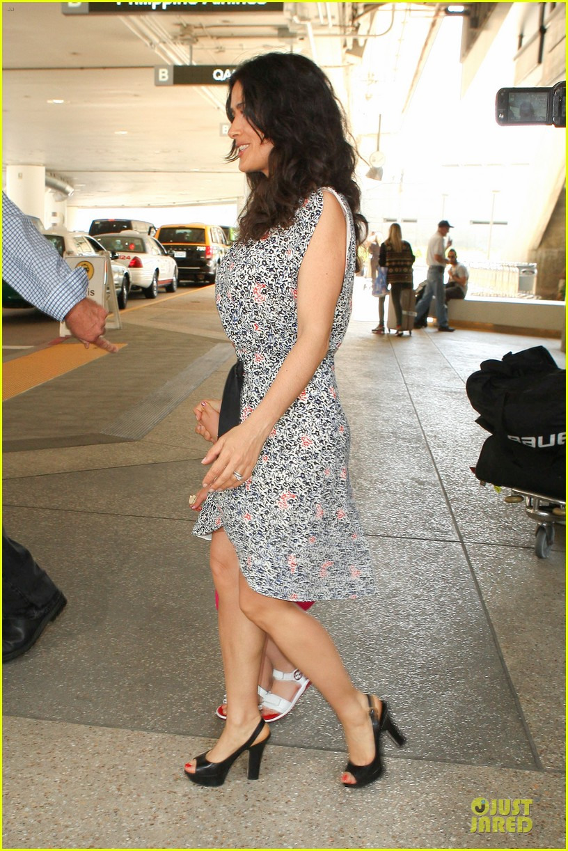 salma hayek valentina lax arrival before grown up 2 promotion 112902406
