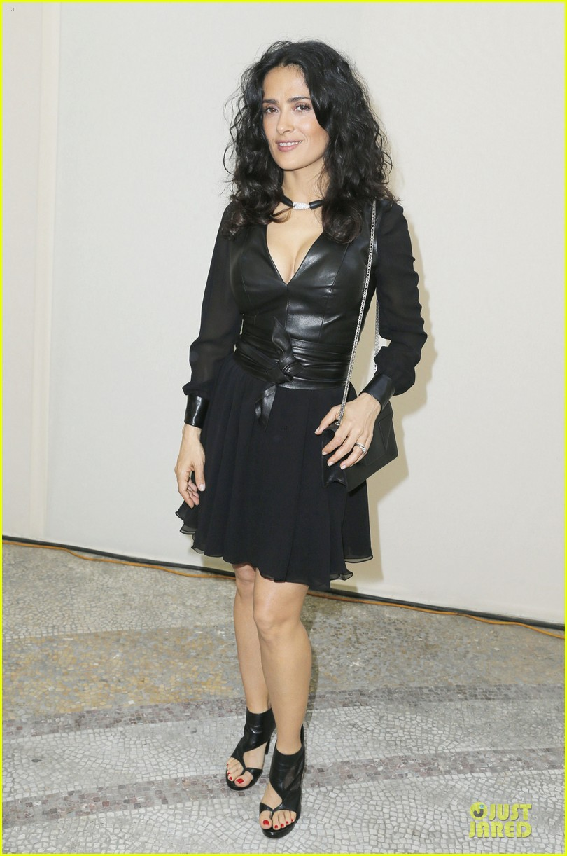salma hayek francois henri pinault yves saint laurent paris fashion show 01