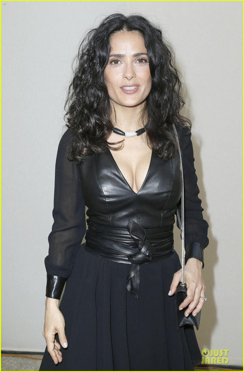 salma hayek francois henri pinault yves saint laurent paris fashion show 042901808