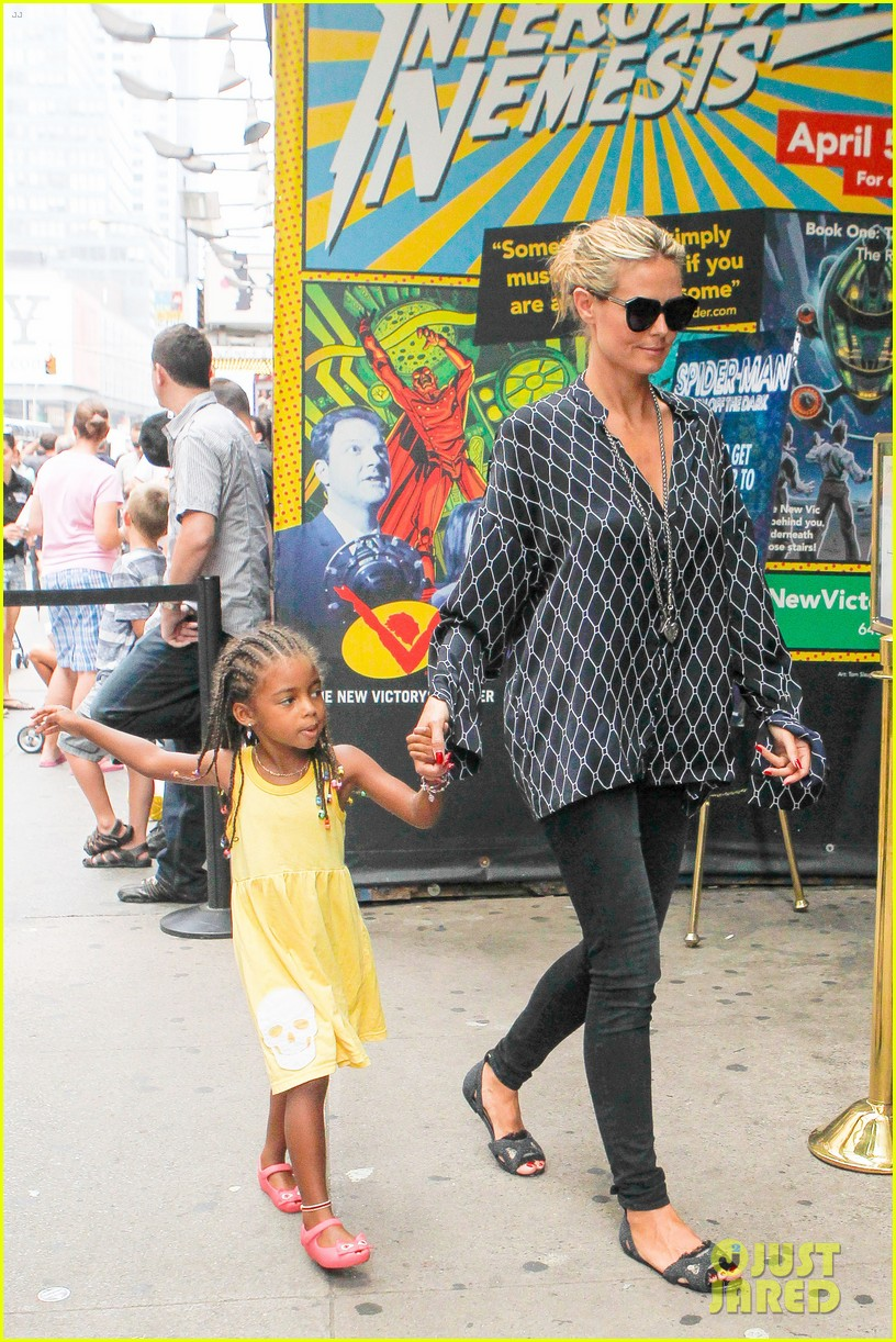 heidi klum martin kirsten spider man on broadway with the kids 412907395