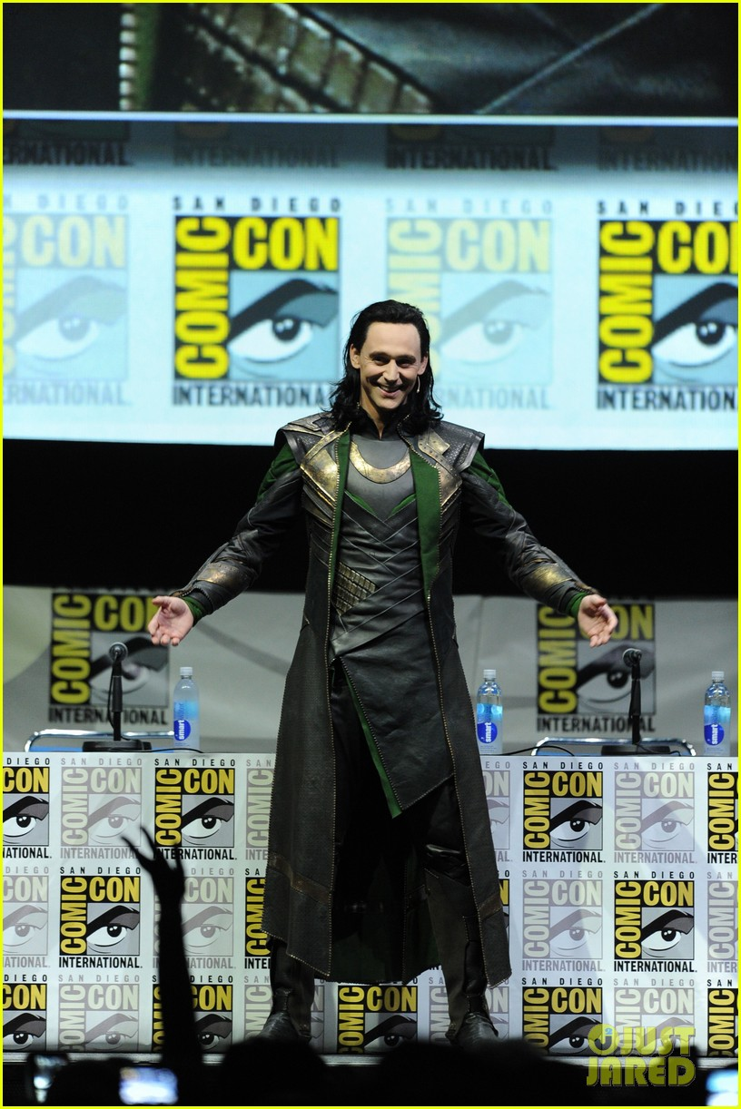 tom hiddleston attends thor comic con panel as loki 012913448