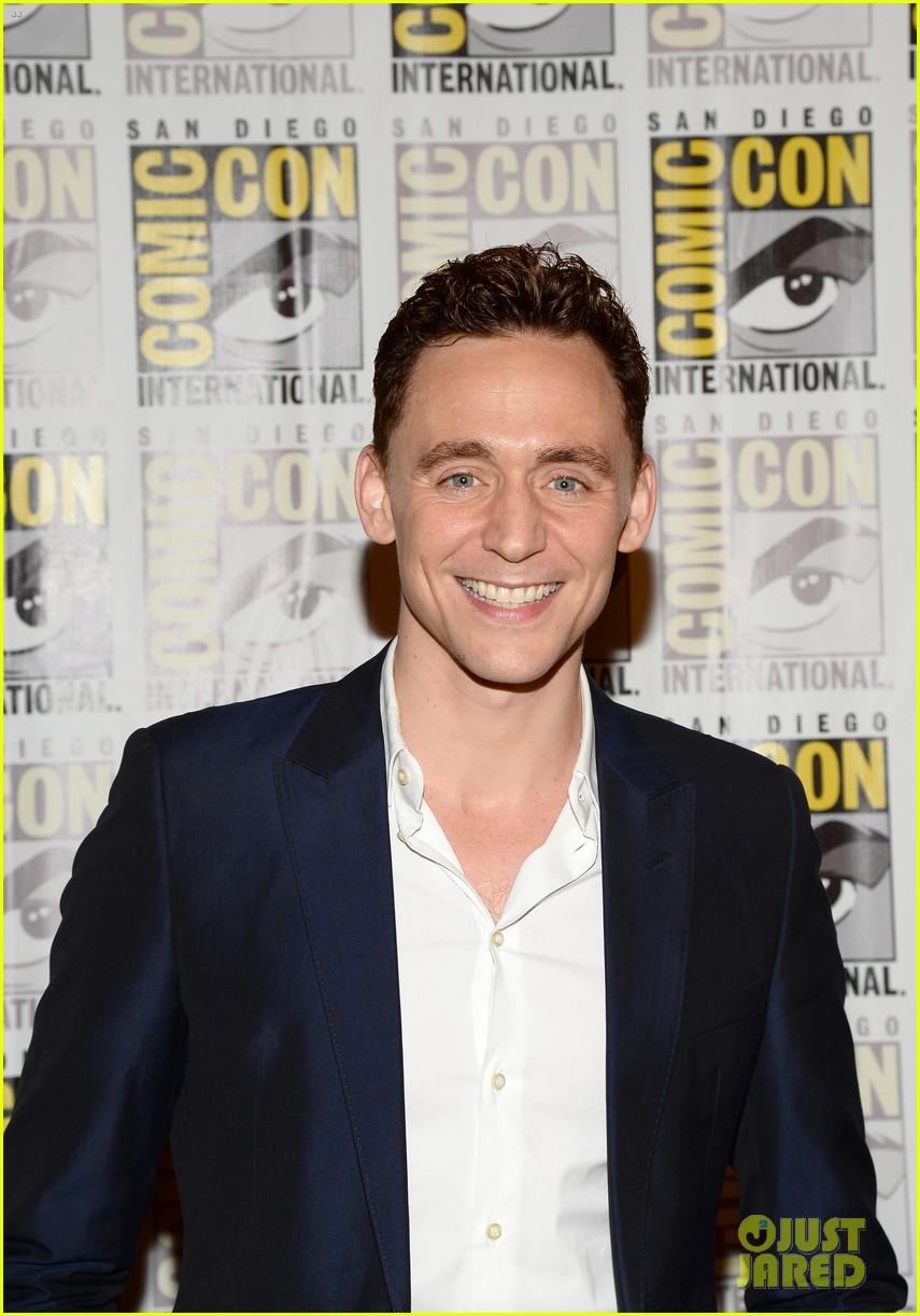 tom hiddleston attends thor comic con panel as loki 022913449