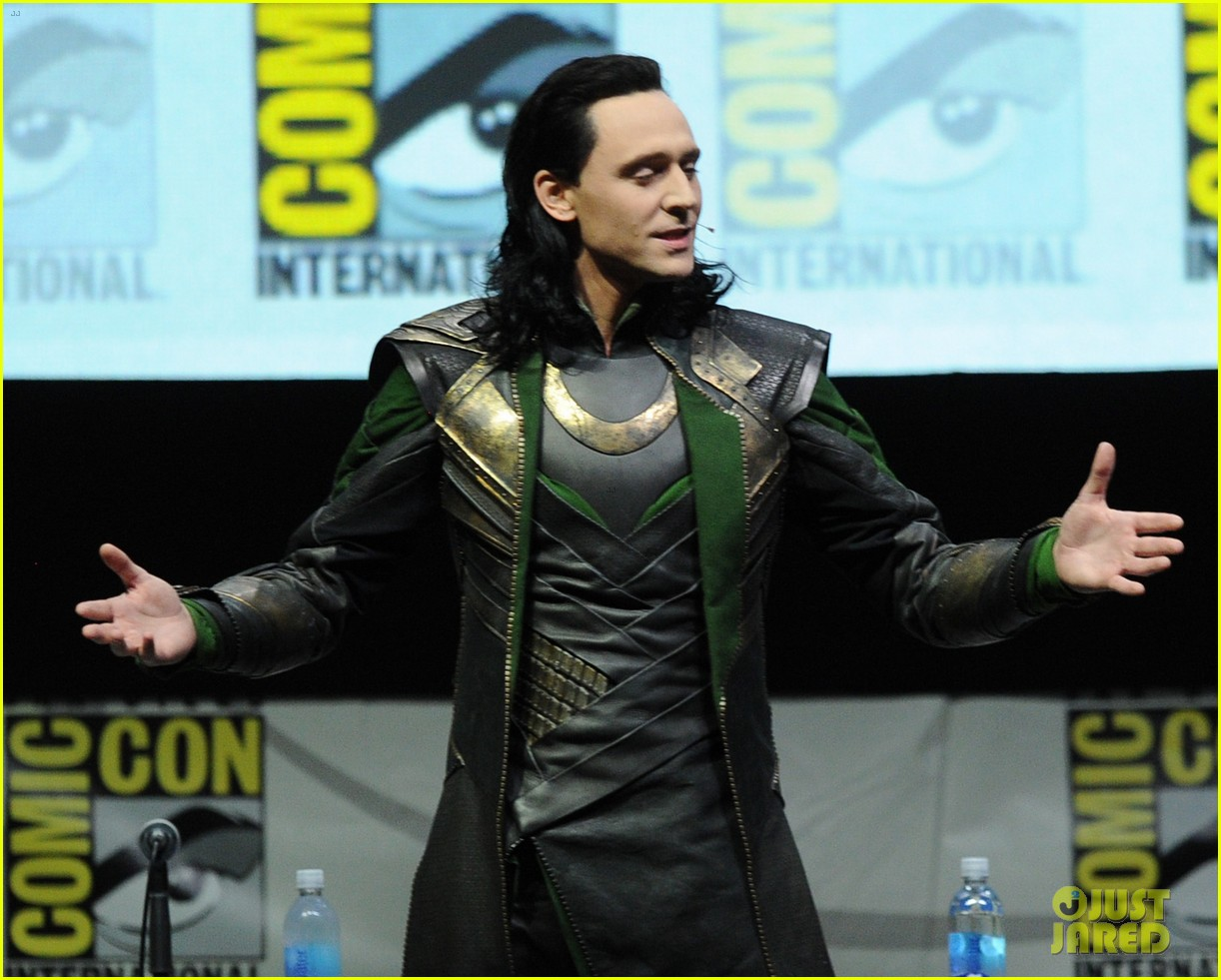 tom hiddleston attends thor comic con panel as loki 092913456