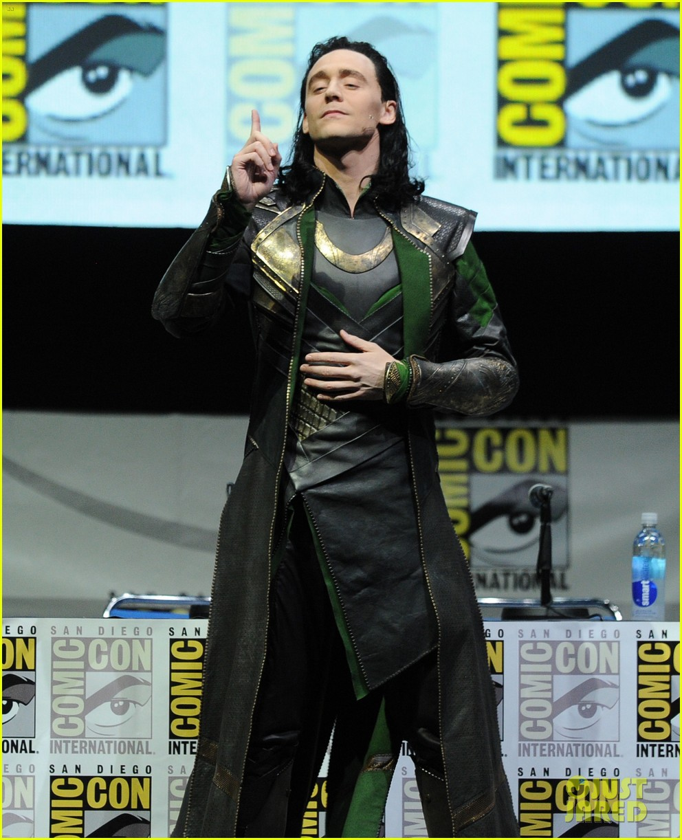 tom hiddleston attends thor comic con panel as loki 102913457