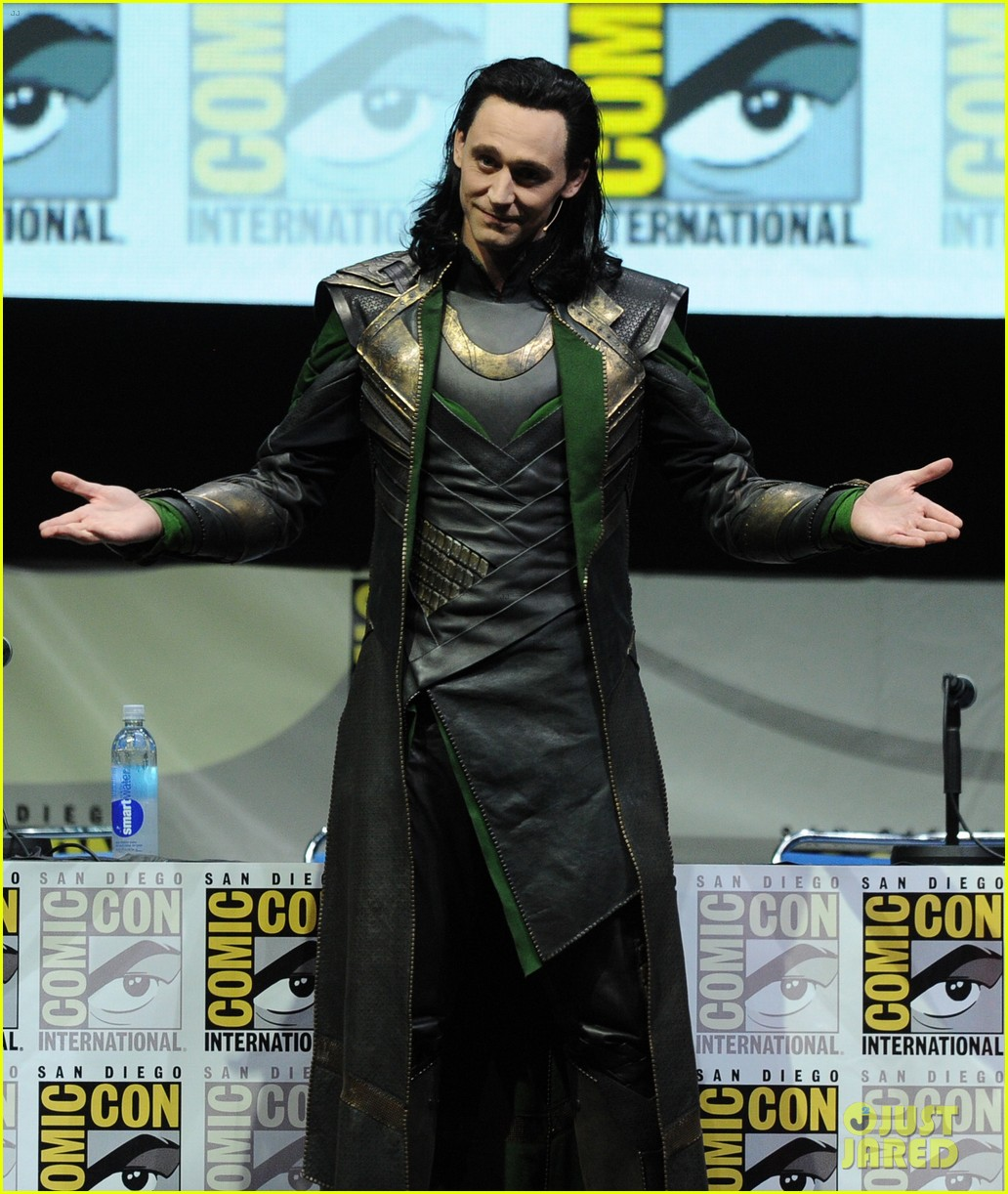 tom hiddleston attends thor comic con panel as loki 112913458