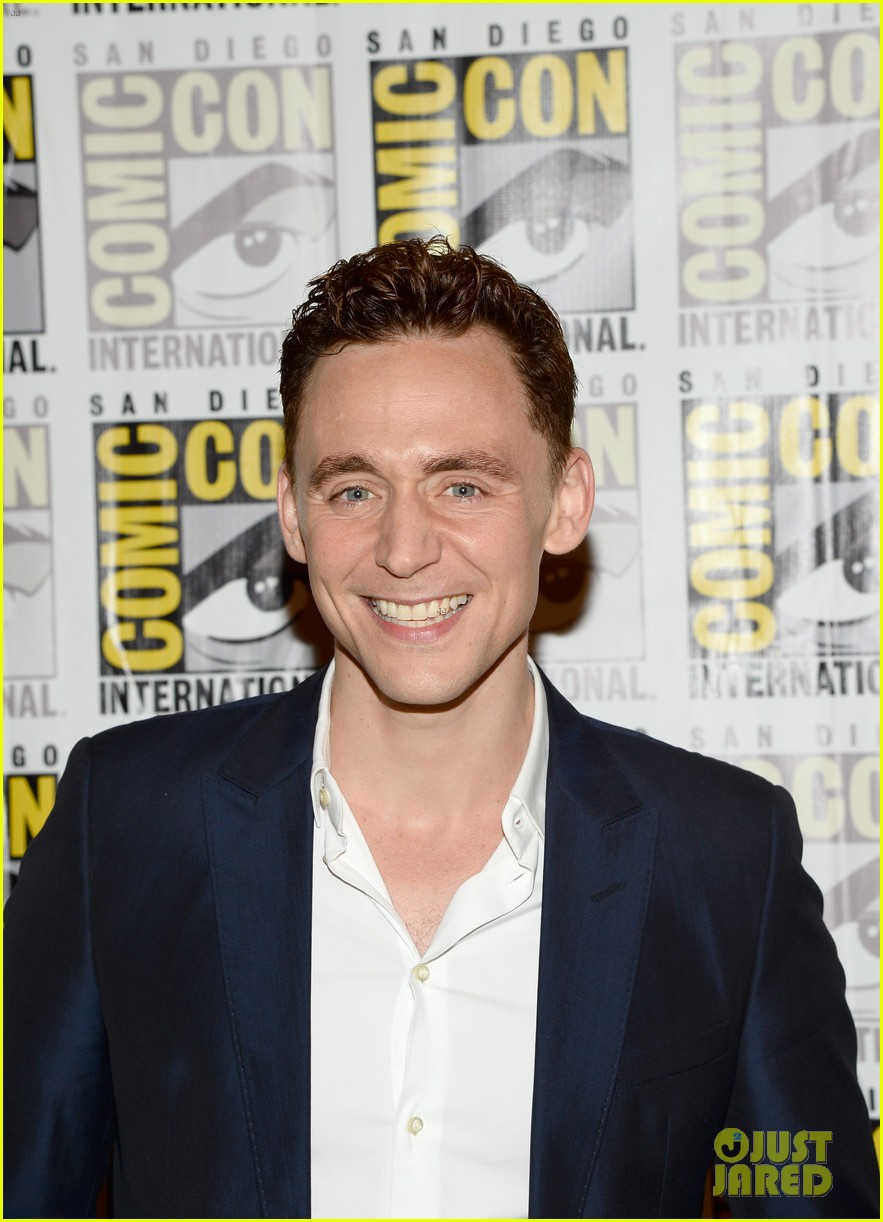 tom hiddleston attends thor comic con panel as loki 142913461