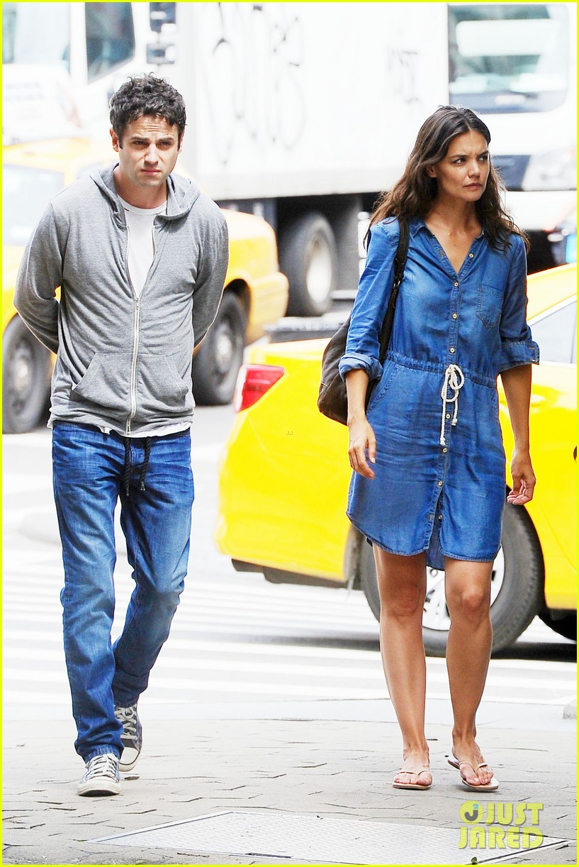 katie holmes luke kirby back to work on mania days 062915215