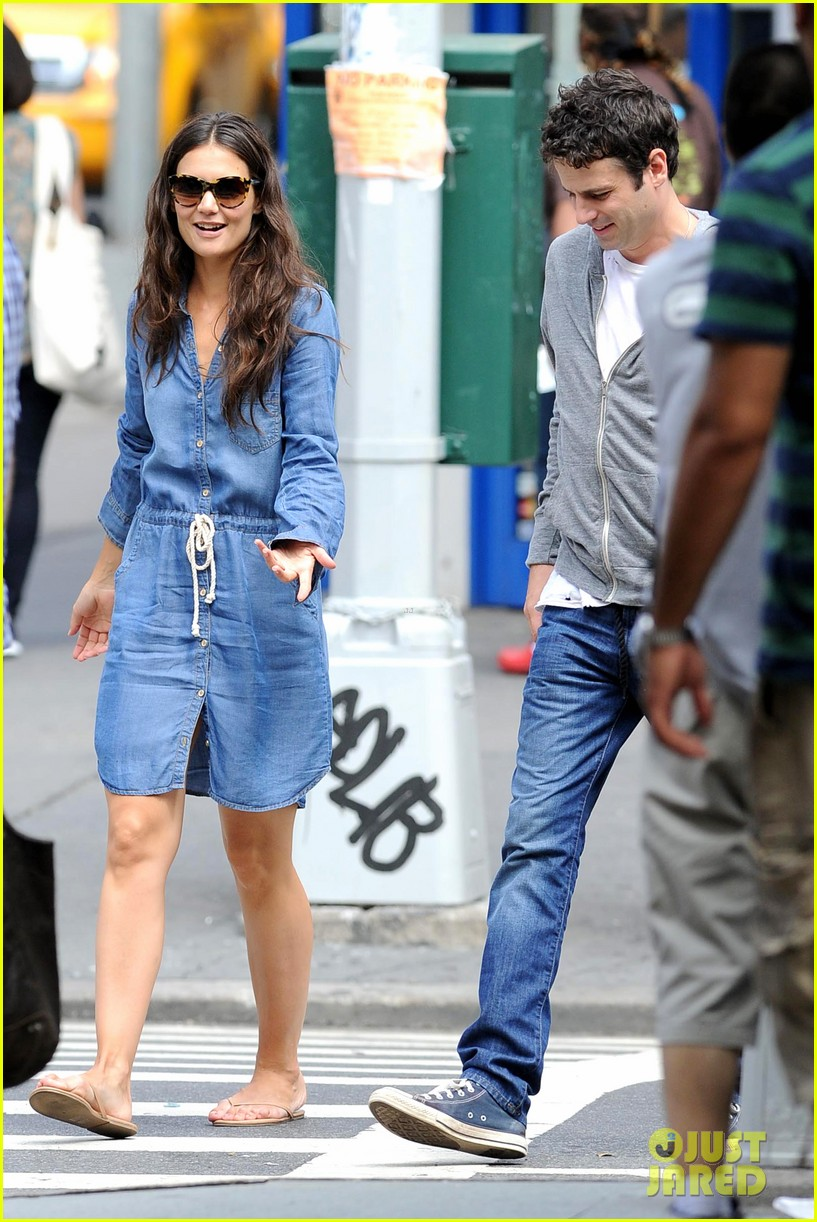 katie holmes luke kirby back to work on mania days 122915221