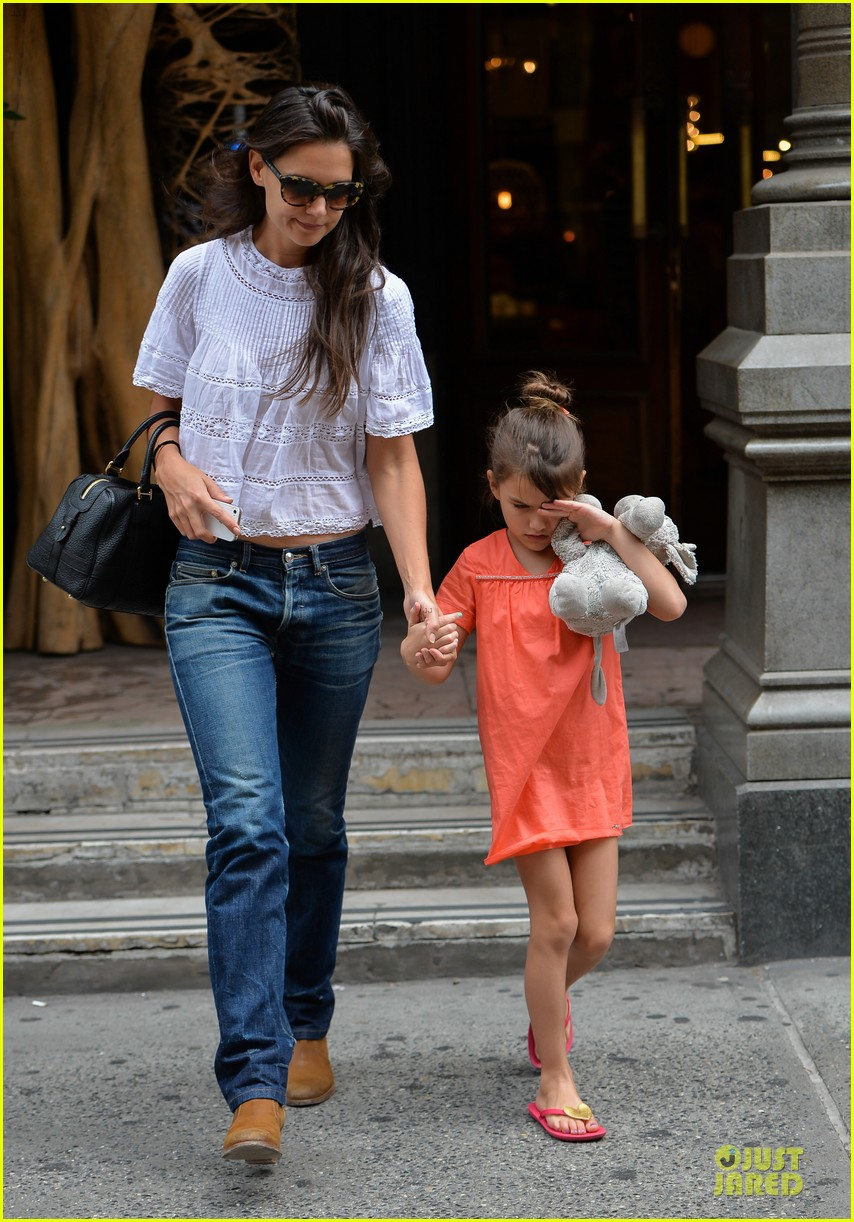 katie holmes suri shop for home furnishings 012918046
