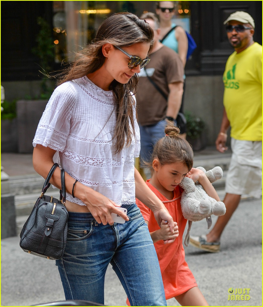 katie holmes suri shop for home furnishings 052918050