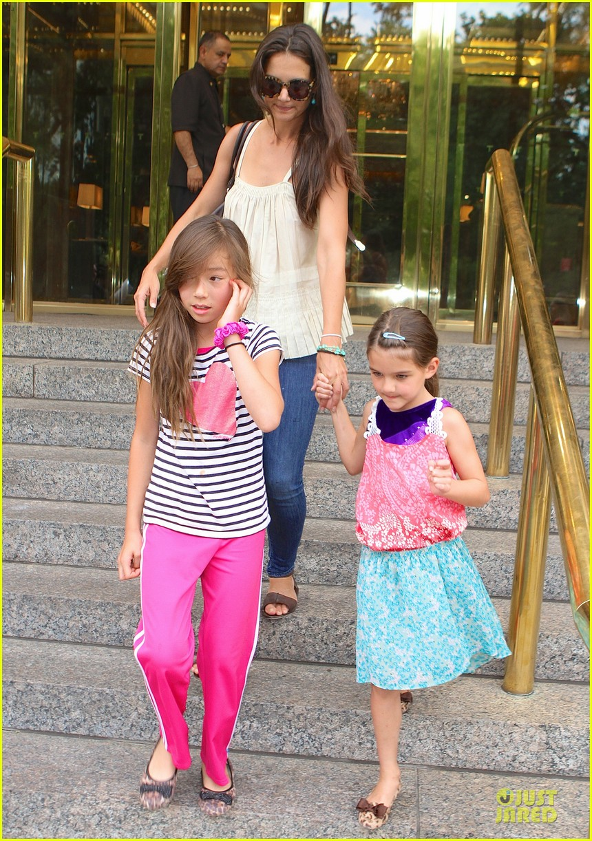 katie holmes suri nyc play date after july 4th weekend 012906793