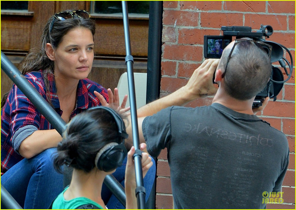 katie holmes short video shoot in the big apple 11