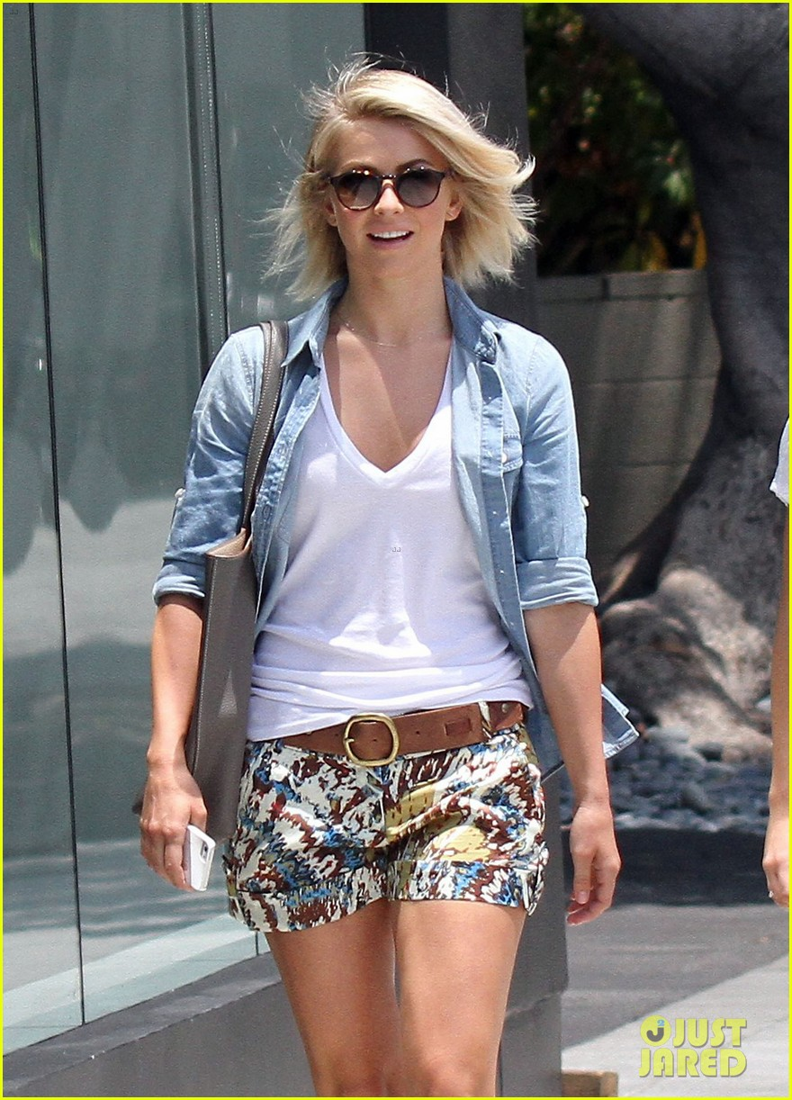 julianne hough ashley benson chord overstreet concert 062913696