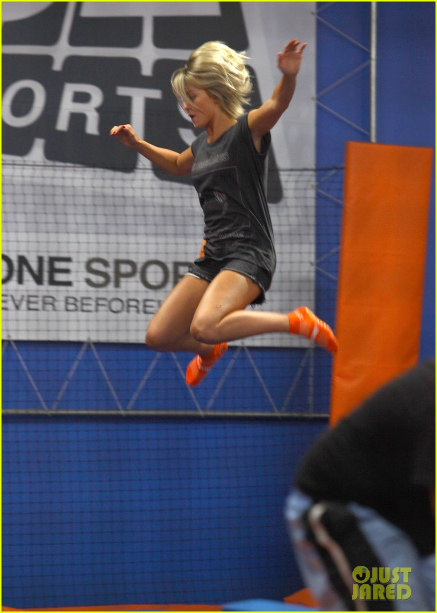 julianne hough tumbles in the air at trampoline park 09