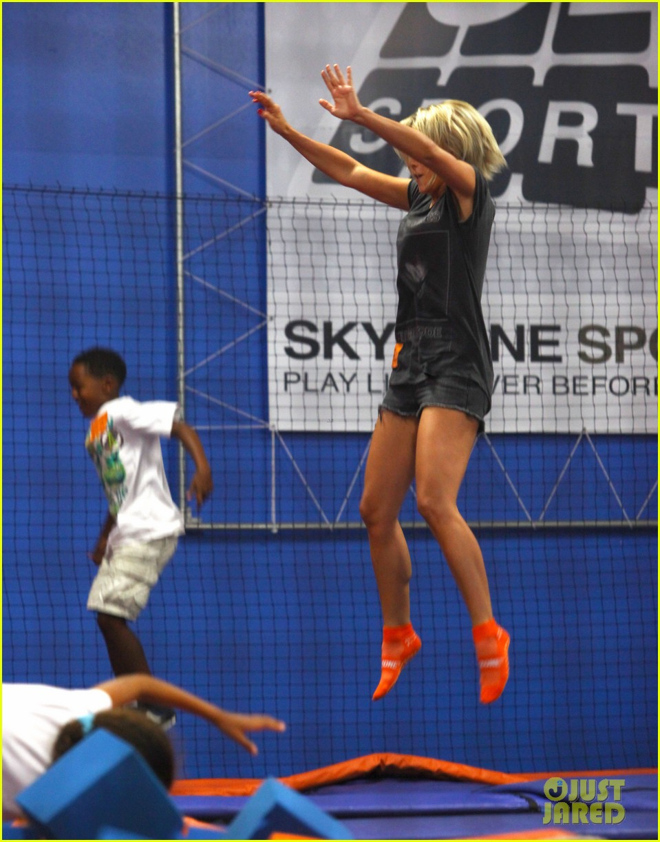 julianne hough tumbles in the air at trampoline park 112908435