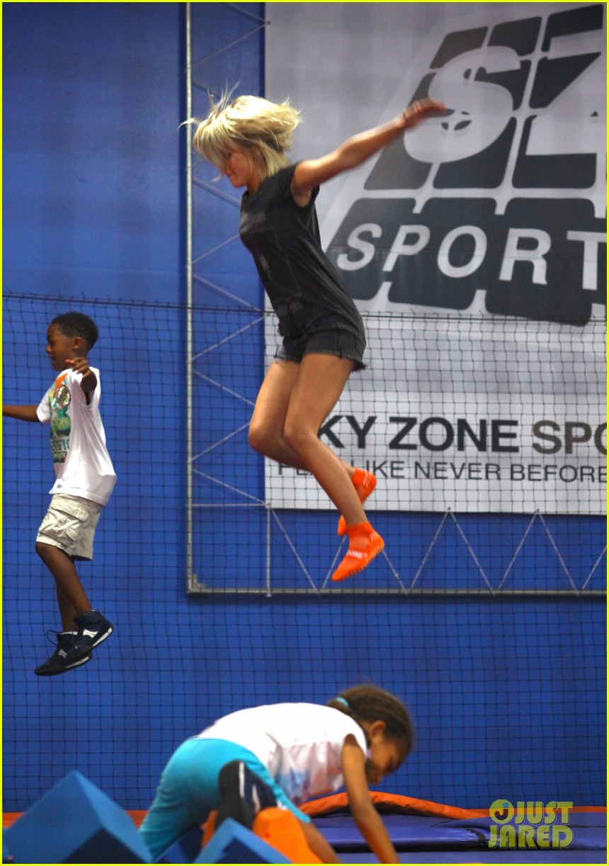julianne hough tumbles in the air at trampoline park 142908438