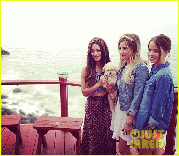 vanessa hudgens happy birthday ashley tisdale 032903216