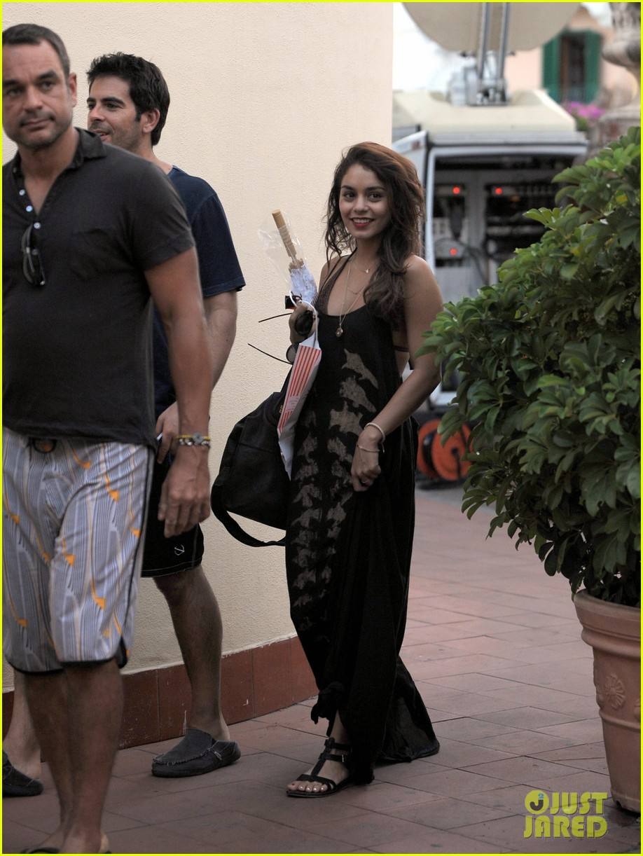 vanessa hudgens arrives in ischia for global film fest 05
