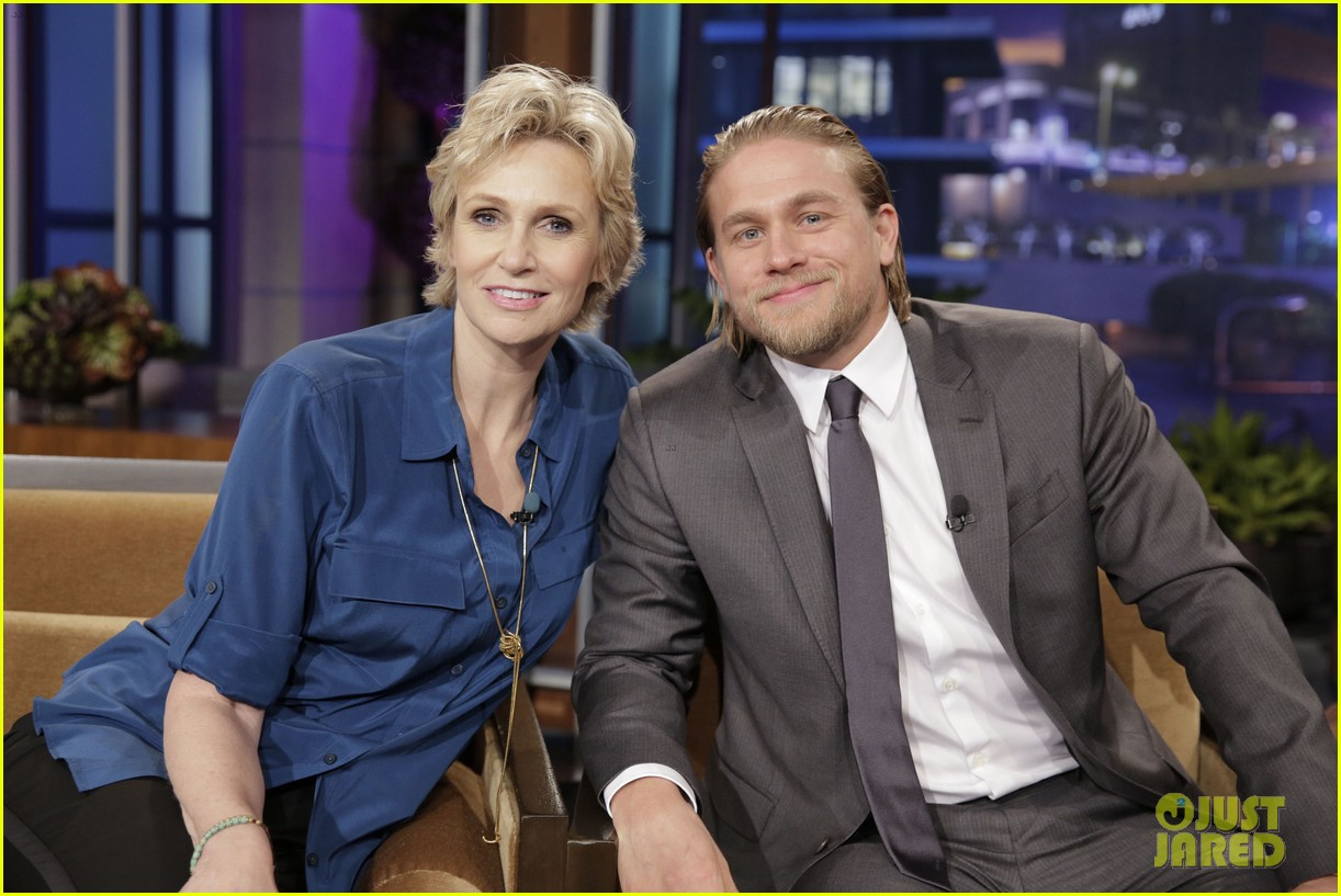 charlie hunnam stored things in his pacific rim pee flap 032911251