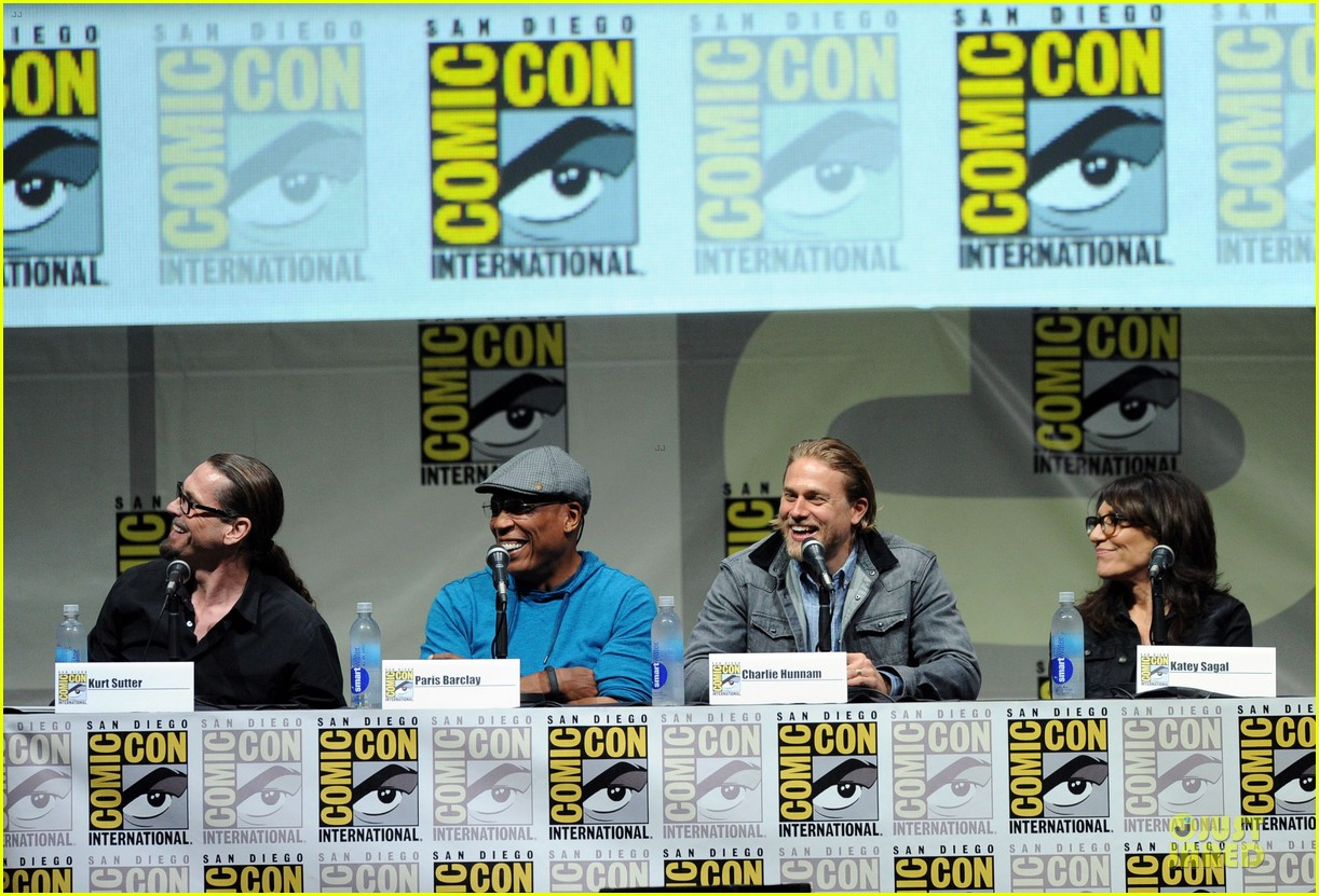 charlie hunnam son of anarchy panel at comic con 052914231