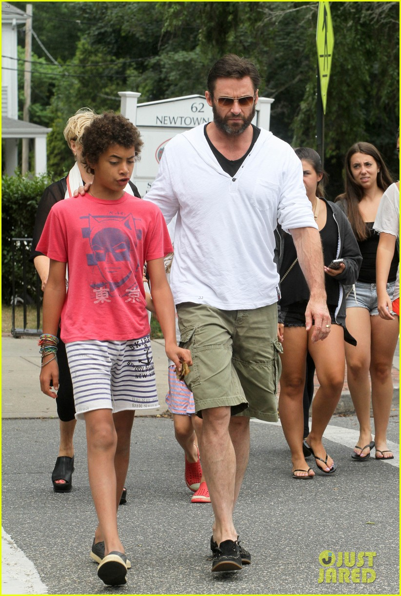 hugh jackman hangs with family wolverine hits theaters 092917607