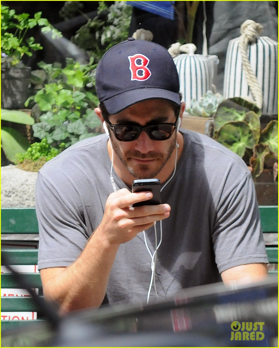 jake gyllenhaal takes his dog for a walk in nyc 072907436