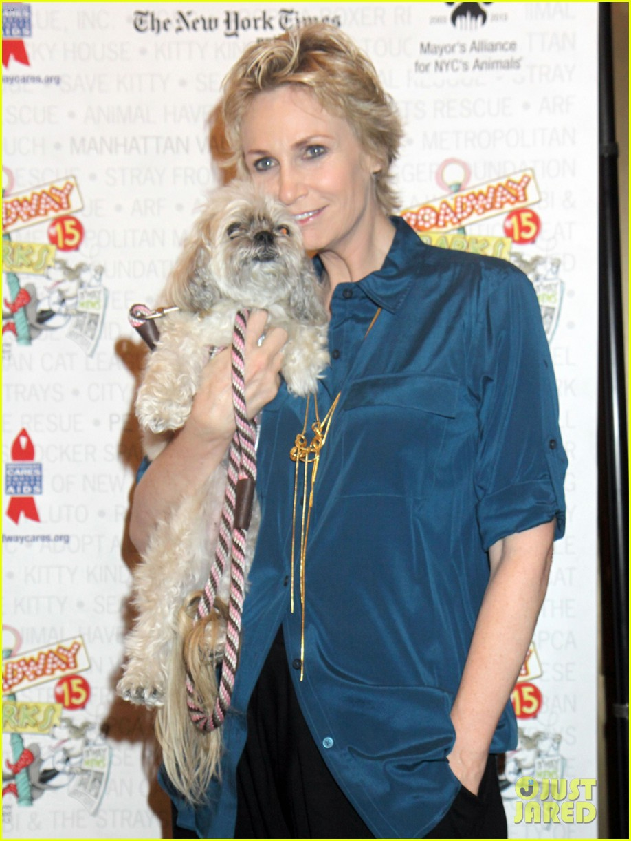 jane lynch steps out following cory monteith death 012909288