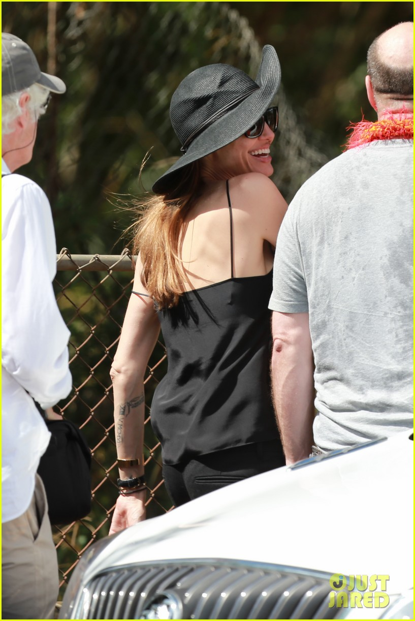 angelina jolie scouts filming locations in hawaii 042906630