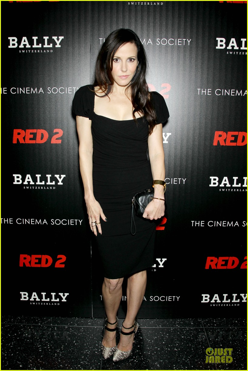 catherine zeta jones helen mirren red 2 nyc screening 10