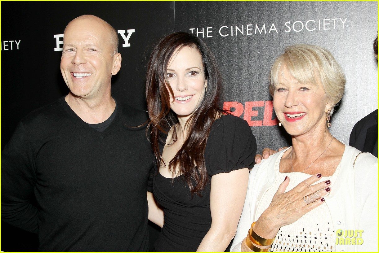catherine zeta jones helen mirren red 2 nyc screening 142910597