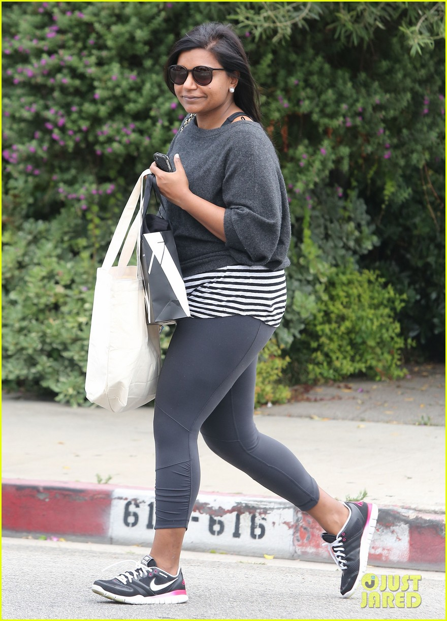 mindy kaling gives apocolypse dating advice 102904800