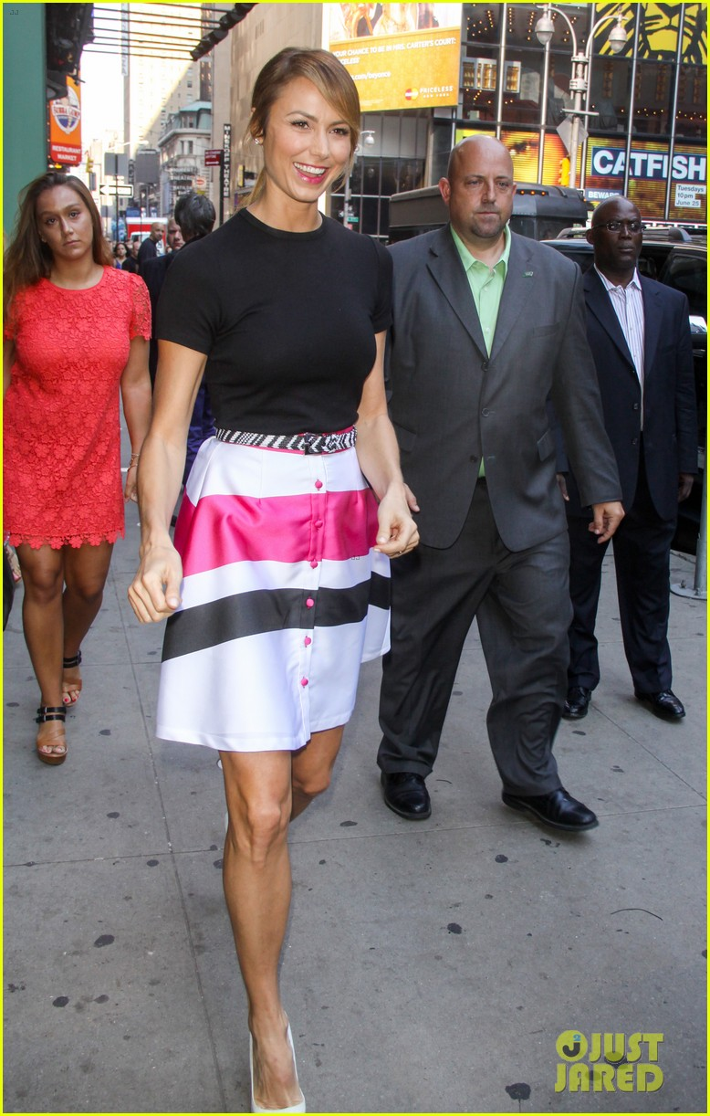 stacy keibler george clooney and i didnt discuss marriage 032911337